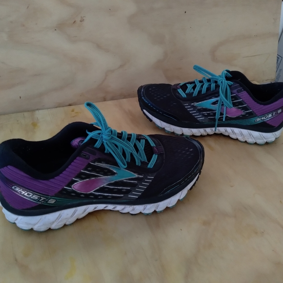 Brooks Shoes   Ghost 9 Size 85 Wide